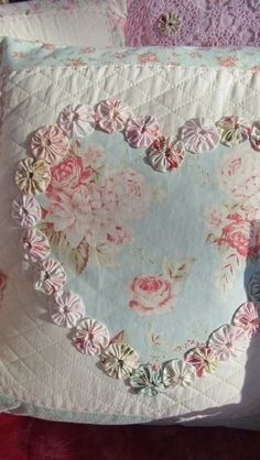 idea, cottag, yo yos, shabbi chic, quilt patterns, decorative pillows, heart shapes, appliqu, shabby chic bedrooms