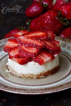 Strawberry Cheesecake strawberri cheesecak, cheesecak recip, cheesecake recipes, dessert