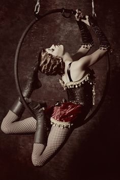 Circus - This looks so 20s!