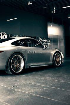 Porsche With AVD.1