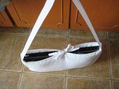 Repurposed crib bumper as padded bag