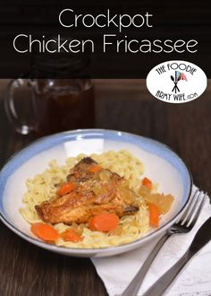 Crockpot Chicken Fricassee - Classic stewed chicken brings comfort to the table on a busy weeknight. from The Foodie Army Wife | #WeekdaySupper