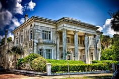 Old Mansion in Charleston, South Carolina, USA