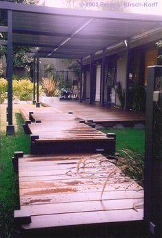 Modern Los Angeles Wood Decked Walkway - Pasadena, CA http://www.kirsch-korff.com/Pages/picture_portfolio_arbor_deck_fence_gate/deck1_modern_wood_los_angeles_walkway.htm#