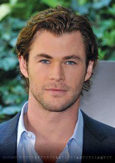 Chris Hemsworth on Pin...