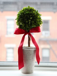 simple red bow topiary