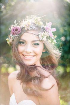 romantic wedding makeup #pinkwedding #bohowedding #weddingchicks http://www.weddingchicks.com/2013/12/26/pink-and-gold-wedding-ideas-2/