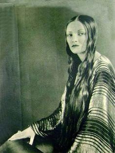Natacha Rambova, 1920s.  Wow.