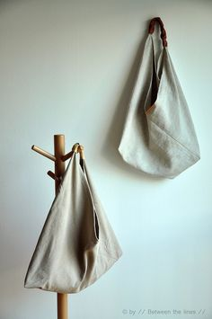 Triangle bag :: a tutorial by // Between the Lines //, via Flickr