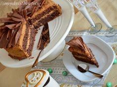 Tort caramel cu fundite de ciocolata - http://www.gustos.ro/retete-culinare/tort-caramel-cu-fundite-de-ciocolata.html