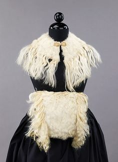 Muff and Collar Set 1855, British, Made of silk and fur