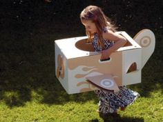 diy cardboard boxes via thearchitectureofearlychildhood.blogspot.com