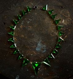 1920-30s Art Deco Triangular Green Glass Necklace
