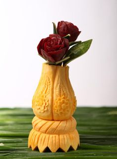 Fruit Vase Carving by Tzipy Cohen