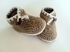 #crochet #patternparadise #pattern-paradise brown booti, slipper, babi booti, bears, baby booties, booti brown, crochet patterns, brown bear, bear booti