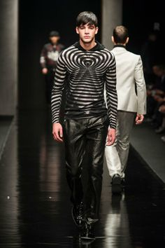 Great graphic patterns at John Richmond for Fall/Winter 2014-2015.