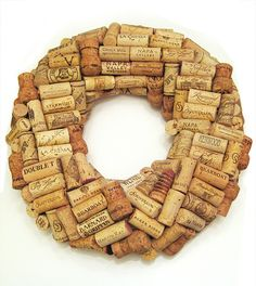 Cork wreath tutorial at VonFrau.  Corks, check!  Hot glue gun, check!  Toothpicks, check!