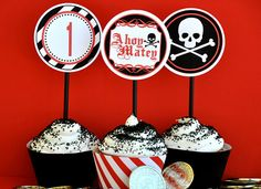 cupcakes fiesta pirata niños decoración cumpleaños calavera snack pirate party children kids birthday decoration skull miraquechulo