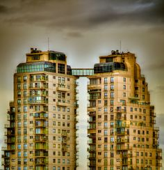 Two tower Barracas