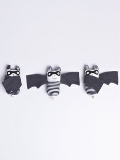 Bandit Bat - adorable