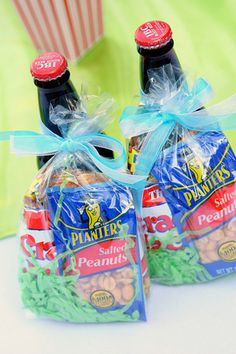 Fun baseball party favor idea: Cracker Jacks, peanuts, and root beer bundles party favors, peanut, theme parties, cracker jack, basebal parti, baseball party, root beer, baseball favors, baseball birthday