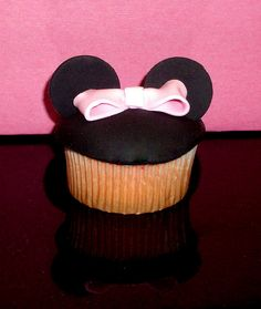 Show your love for Disney with these Mickey Mouse cupcakes. Thanks to Erica Sweet Tooth we can now recreate it with her cupcake recipe. You can just top it with pink frosting for the ribbon and make it Minnie Mouse instead. Also, if you're not into fondant a lot, she replaces it with Oreo cookies for a better tasting dessert. #cupcake #cupcakes #recipe