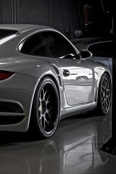 Porsche #mode #style #fashion #gentlemen #lifestyle #dresswell #party #luxury #men #fastlife #goodlife #rich
