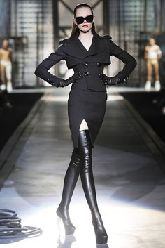 This is the way to wear thigh high boots if you're going for a femme fatale look! #fashion