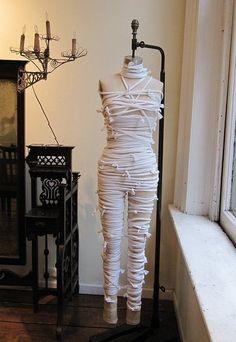 Make Your Own Mummy DIY Halloween Costume
