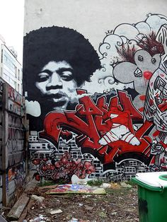 Graffiti in Paris...!