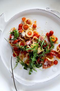 Garlic Fried Tomato Orecchiette with Arugula by lemonfirebrigade #Pasta #Tomato #Arugula #lemofirebrigade