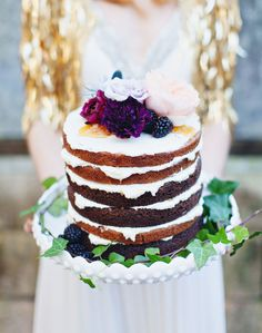 love this naked cake!