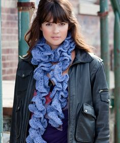 Curly Swirly Scarf pattern - by redheart