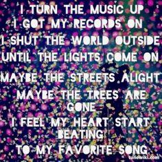 I turn the music up #lyrics #Coldplay #tunewiki #lyricart