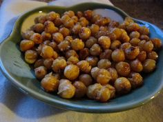 crispy roasted garbanzos:  allergen free, protein packed [toddler] snack.  hooray!
