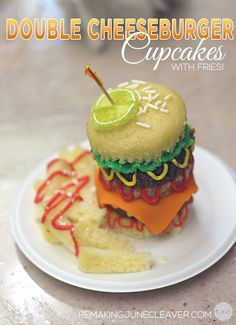 How to make Double Cheeseburger Cupcakes with Fries! #Easy - http://www.remakingjunecleaver.com/cheeseburger-cupcakes/