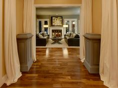HGTV Dream Home 2009: foyer into living room