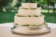 Wedding cakes by Ambrose Barton and Brown. Photography: Paige Jones