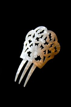 1920's Ornately Carved White Celluloid Hair Comb