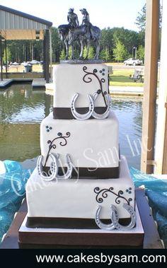 Horse shoe wedding cake