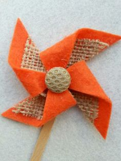 Orange Felt Pinwheel with Burlap (Small) by CuteLittleThings for $4.25