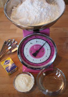 pink kitchen scale