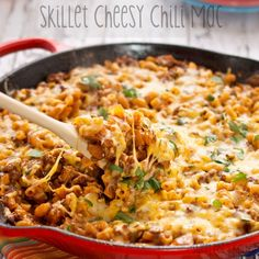 Skillet Cheesy Chili Mac #Casserole. Dbl-click pic for #Recipe. #Celiac #coeliac, use #glutenfree #Spice #TomatoSauce #Macaroni #Cheese.