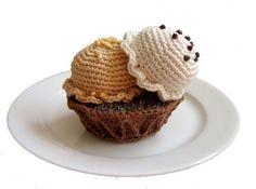 Coconut and Honey in a Waffle Bowl - free crochet pattern la web, encontrada en, crochet food, toy, coconut, waffl bowl, crochet patterns, play food, amigurumi patterns