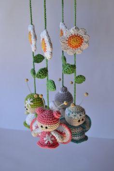 ! Baby mobile with crochet amigurumi @ DIY Home Cuteness