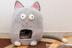 Kitty Kat House Crochet Pattern by Ana Rosa - this made me giggle!