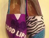 Show Me Cute: One Direction Painted Shoes | ShowMeCute | DIY