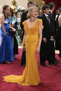 Michelle Williams inVera Wang at 2006 Academy Awards.