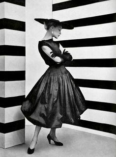 #yearofcolor Le style du taffetas noir  L'Officiel #361, 1952  Photographer: Philippe Pottier  Balenciaga, Spring 1952
