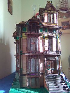 Victorian dollhouse ~ I would REALLY love to have this!